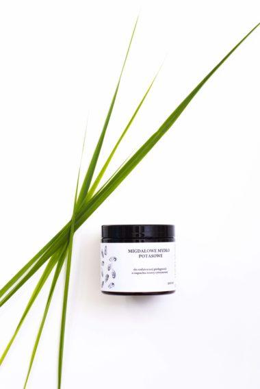 mydło migdałowe o zapachu trawy cytrynowej